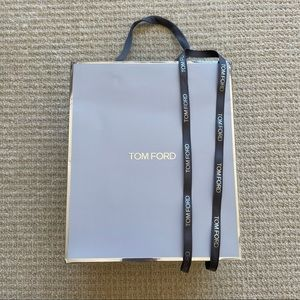 Tom Ford shopping bag with ribbon and Logo paper